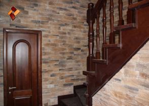 Интерьер коттеджа -  декоративный камень Скалистый грот